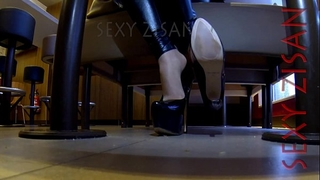 Public dangling and shoeplay with tan hose