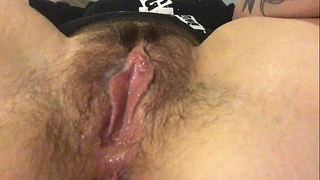 Rub my unshaved clitoris and receive my fingers moist