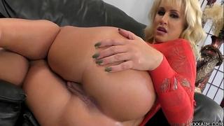 Mistress r. conner demands u to worship her butt! . free webcams here xxxaim.co