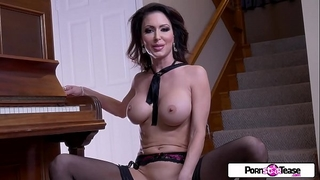 Pornstar tease - jessica acquires in nature's garb and masturbate for all