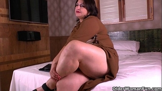 Latina mammas acquire nasty in nylon hose