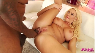 Huge mambos butt screwed by dark 10-Pounder and squirting