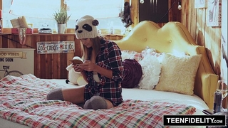 Teenfidelity - creampie surprise from stepdad in shyla ryder's snatch