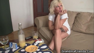 Threesome party with blond aged widow