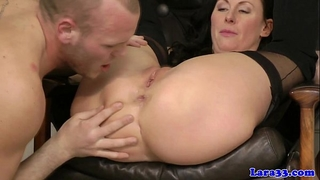 Glamcore british milf doxy avid on 10-Pounder