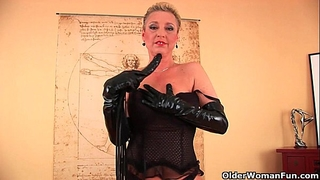 Perverted granny betty is dildoing her old bawdy cleft
