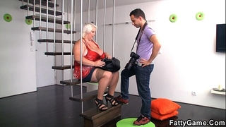 Big melons blond bbw is doggystyled after photosession