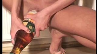 Skinny floozy fucking massive bottles