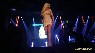 Blonde acquires vibrator in live show