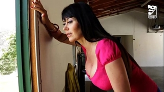Porno mexicano exterminator seduces the hottest milf with large scones!! eva karera