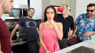 Bootylicious latina seduced Duncan into drilling her naughty hole