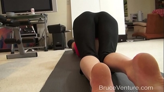 Yoga creampie pov
