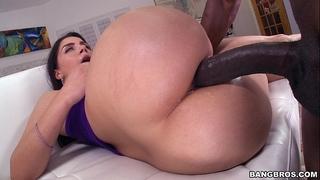 Monster rod in her italian gazoo