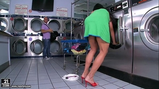 Jewels jade acquires screwed in the laundry