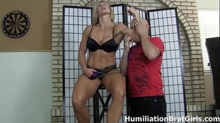 Slave worships mistresse rapture's muscles
