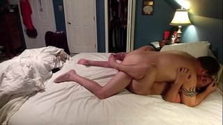 Amateur white women receives muff pampered during late night rendezvous